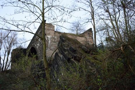 Die alte Hindenburgbrücke an einer der Bruchstellen