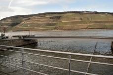 Hinter dem alten Rheinkran, neben Zollamt